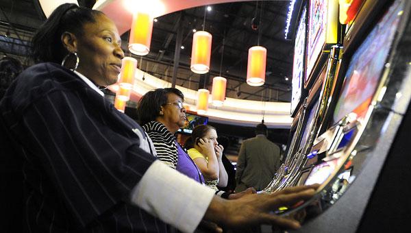121912_casino5WEBMAIN_lmw