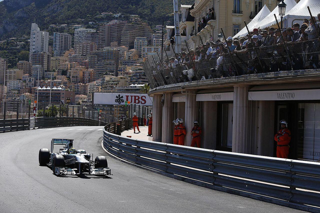 Nico Rosberg in the Massenet curve