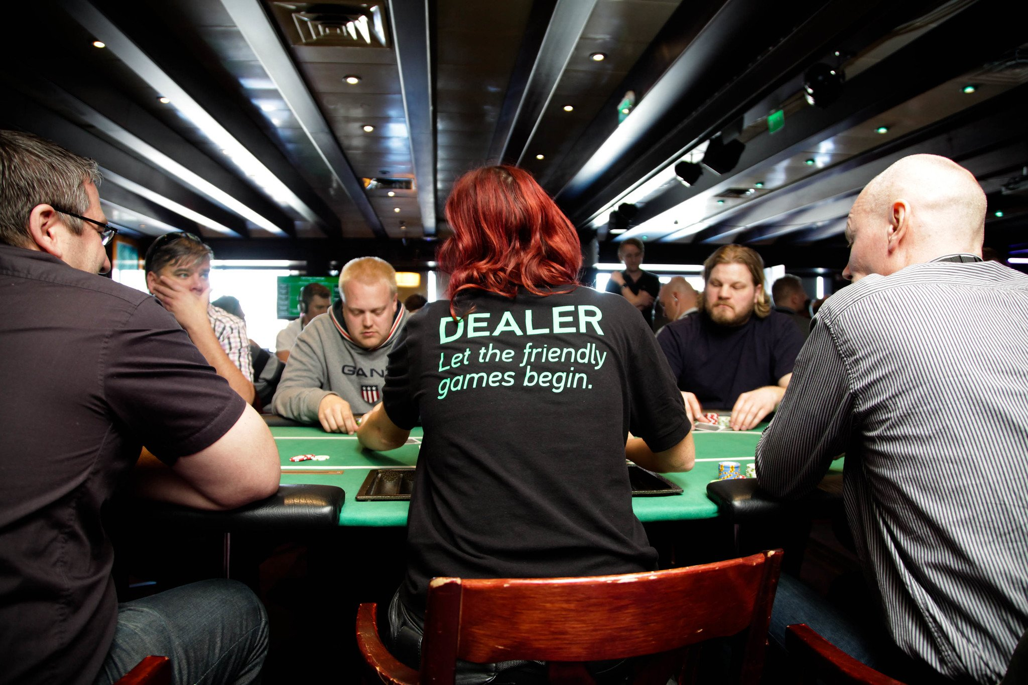 How To Become A Professional Poker Player - 6 Tips From A Pro