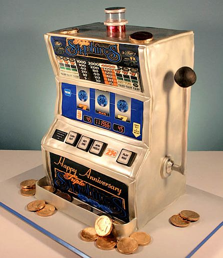 An image of an anniversary slot machine cake