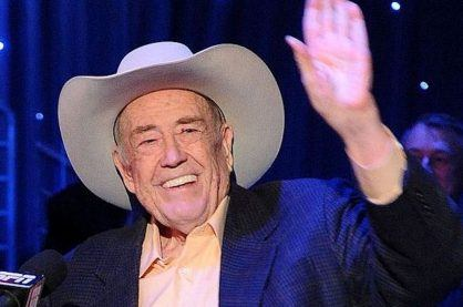 Doyle Brunson waving