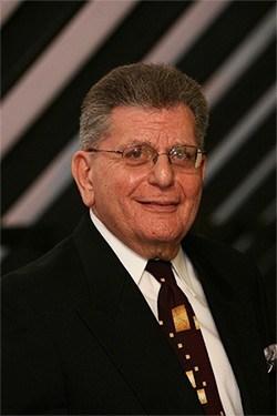 Dr Rosenberg headshot profile picture