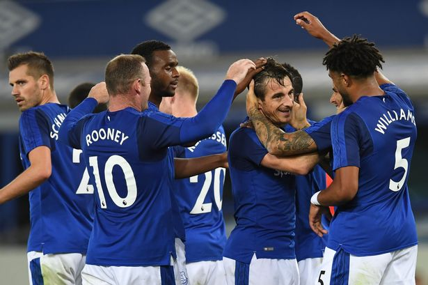 The Everton team celebrating after a goal