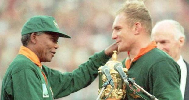 Francois Pienaar being congratulated by Nelson Mandela on winning the Rugby World Cup