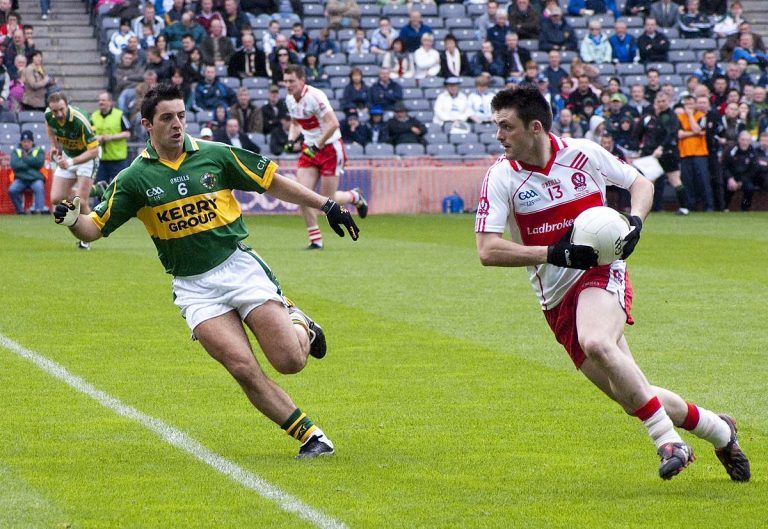 An image of gameplay from a game of Gaelic Football