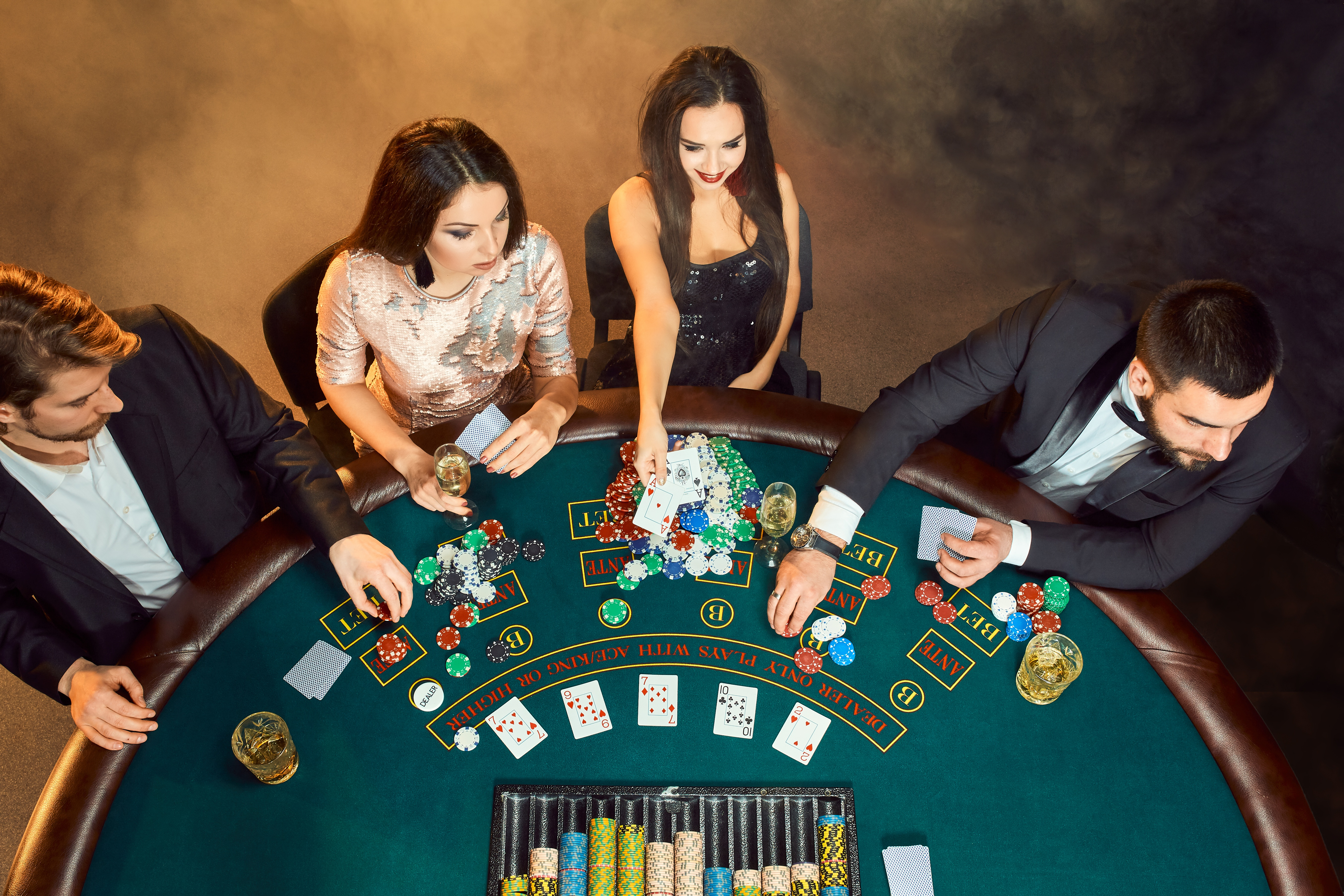 How To Dress For A Night At The Casino