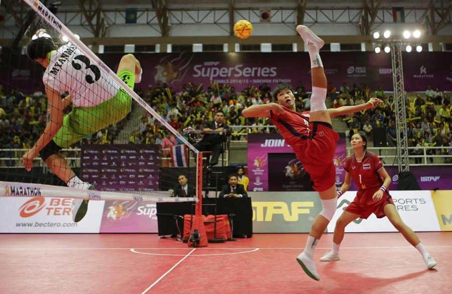 In-game action from a typical game of Sepak Takraw