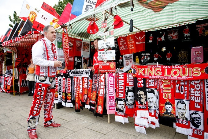Stalls outside Old Trafford with expensive Manchester Utd merchandise