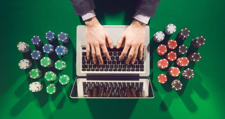 Online poker, brains vs artificial intelligence
