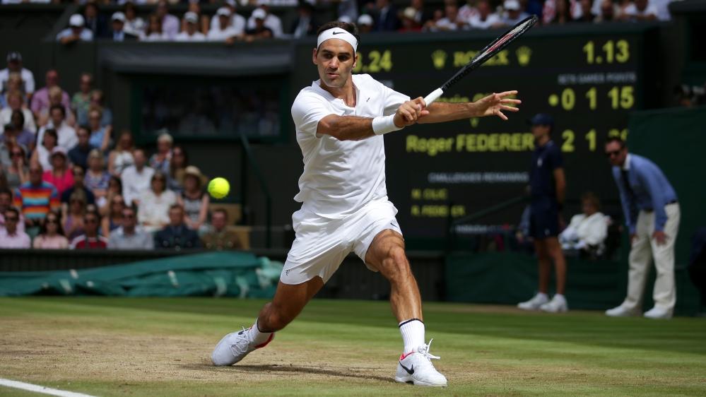 Roger Federer bertanding di Wimbledon
