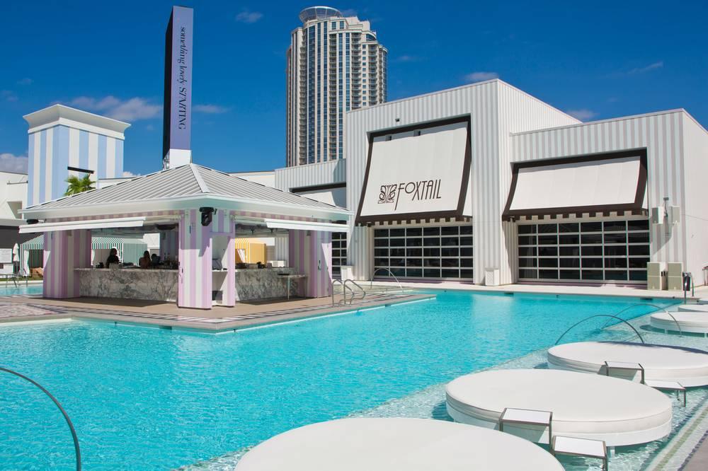 pool at the Sahara (SLS) hotel las vegas