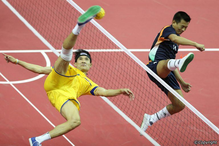 In-game action showing the flexibility of players playing Sepak Takraw
