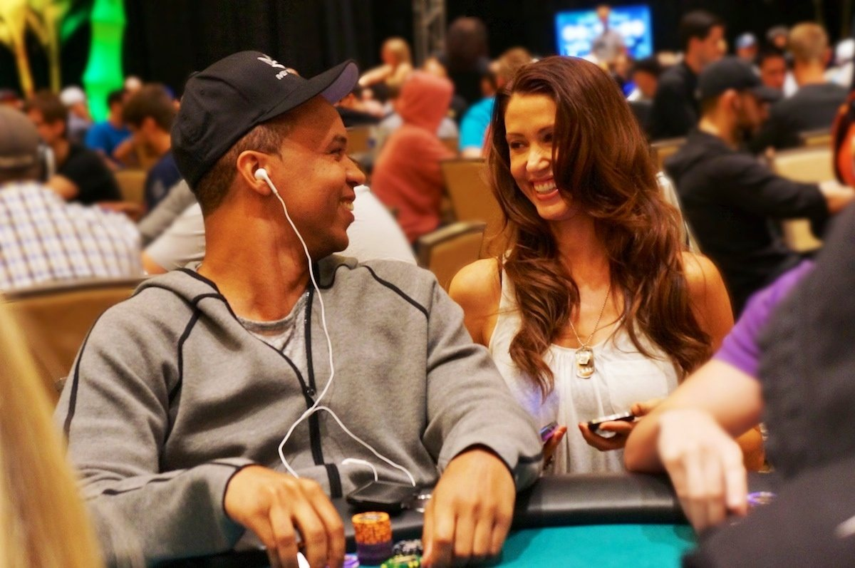 Shannon Elizabeth laughing with Phil Ivey at the poker table