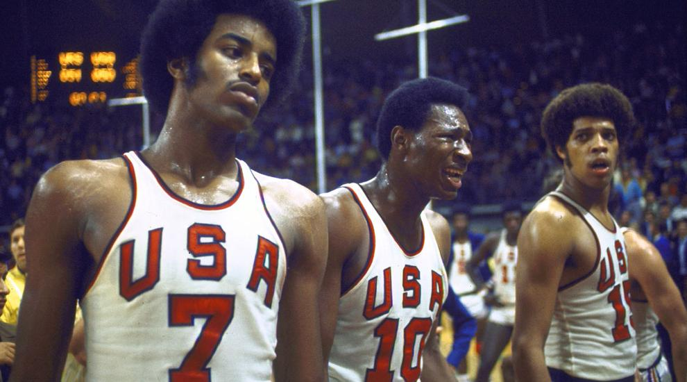 1972 USA basketball team looking sad