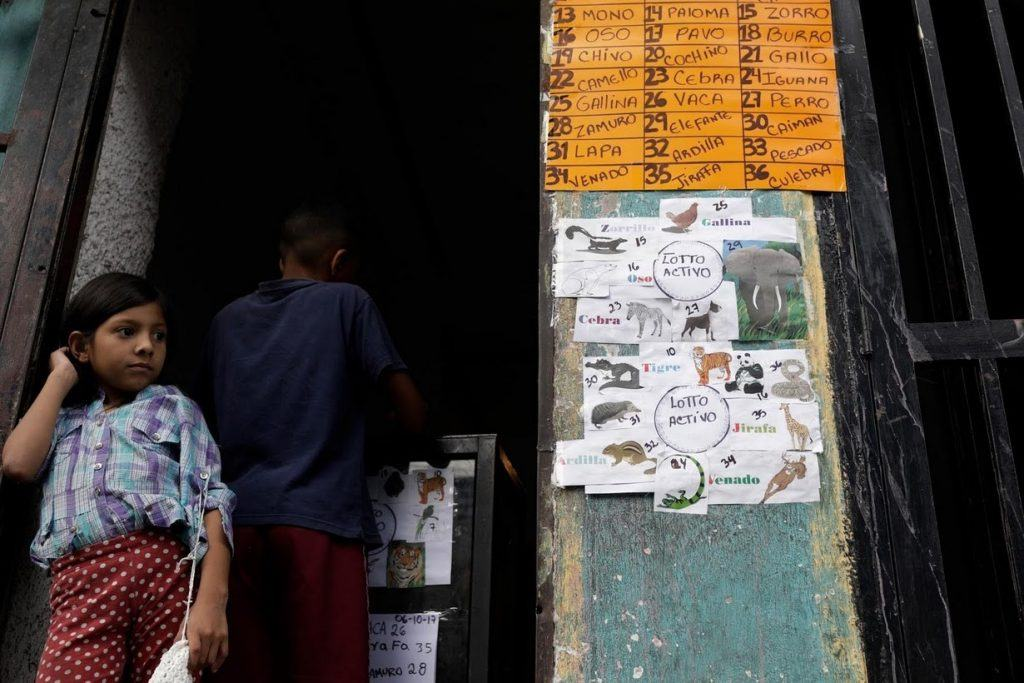 A lottery based gambling game on the streets of Venezuela