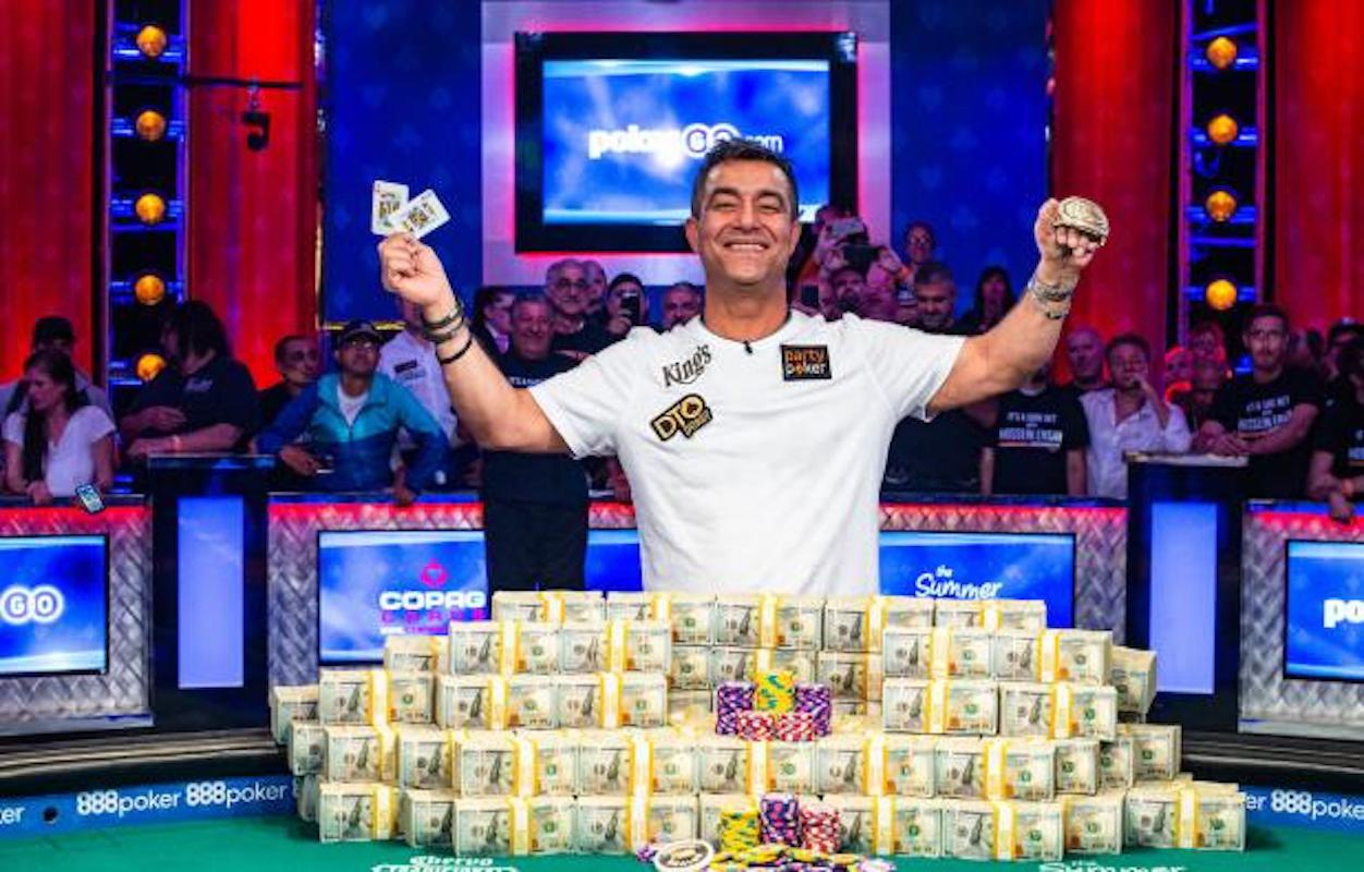 What Are the Odds Of An Amateur vs A Pro Winning WSOP?
