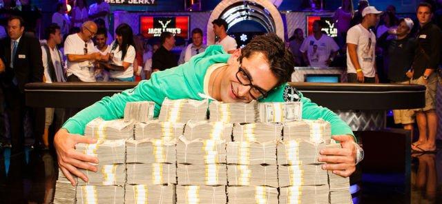 Antonio Esfandiari memenangkan Big One for One Drop