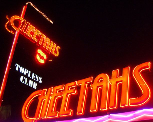 Cheetahs strip club vegas outside at night with lights