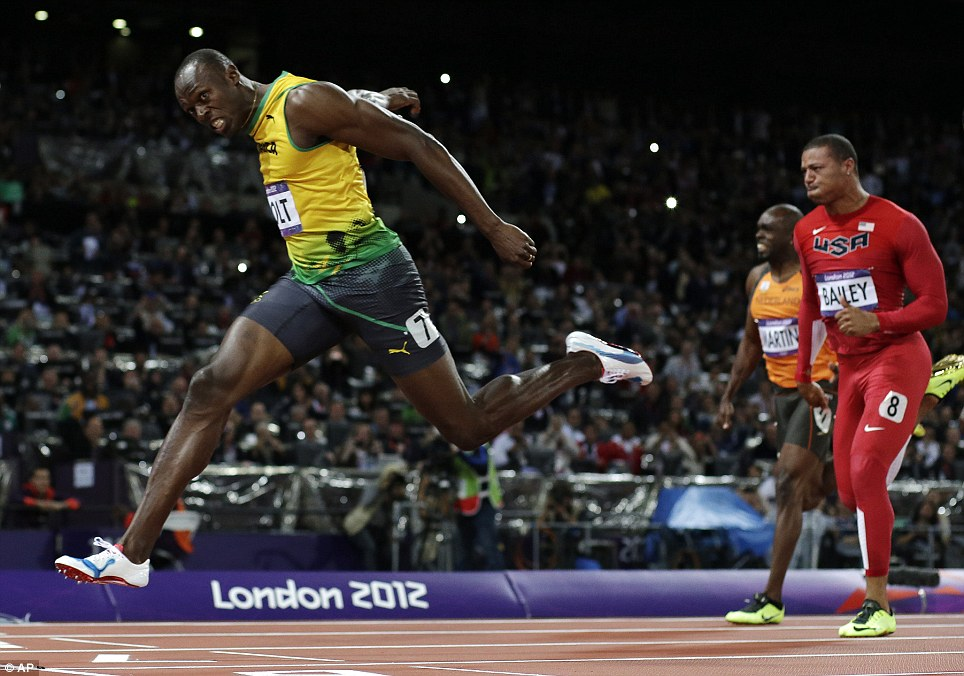 Usain Bolt Breaks 100 meters world record at London Olympics