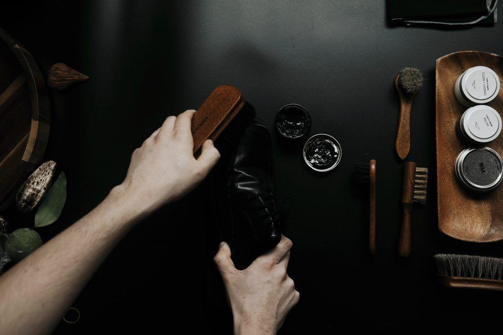 Brown and black brush.