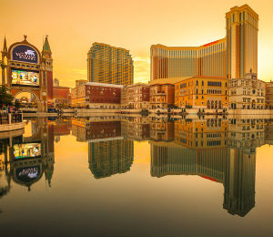 Venetian casino cotai strip macau at sunset