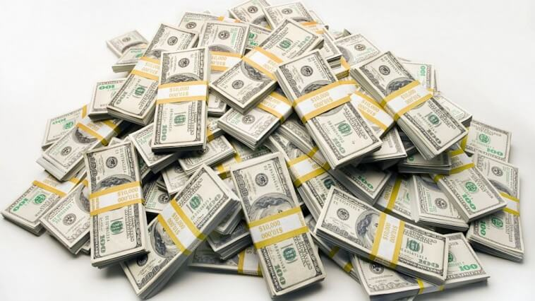 Everyone likes earning money when gambling