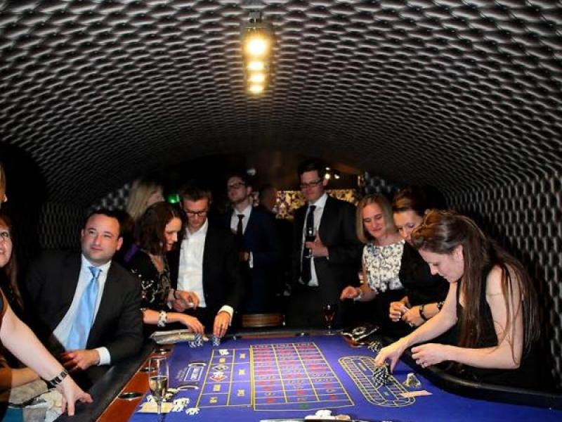 smallest casino with people playing games