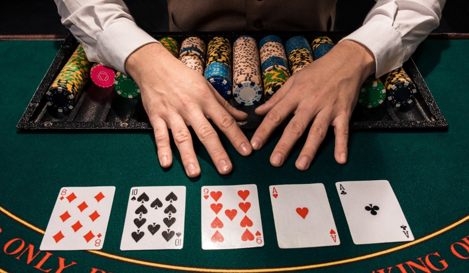 Play against weak poker players