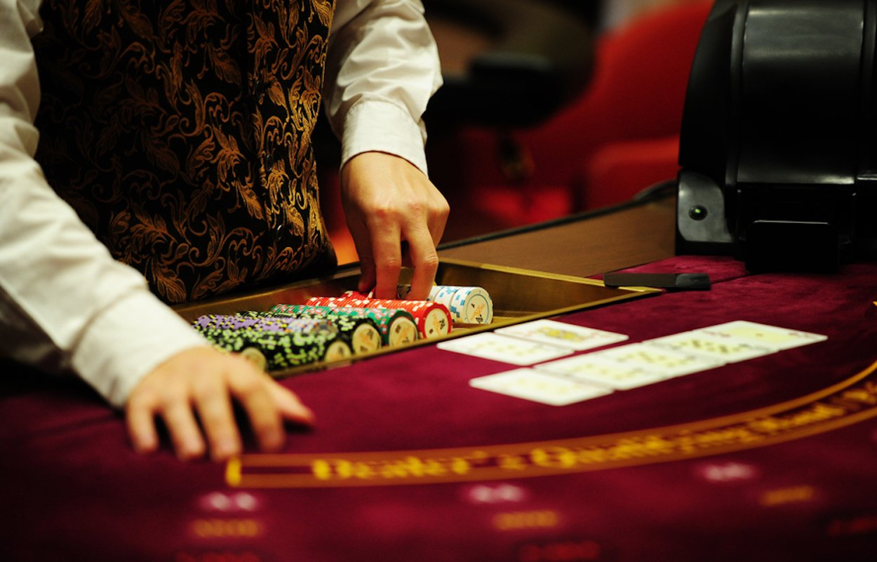 Top 10 Insider Tips We Learned From Casino Staff On Reddit