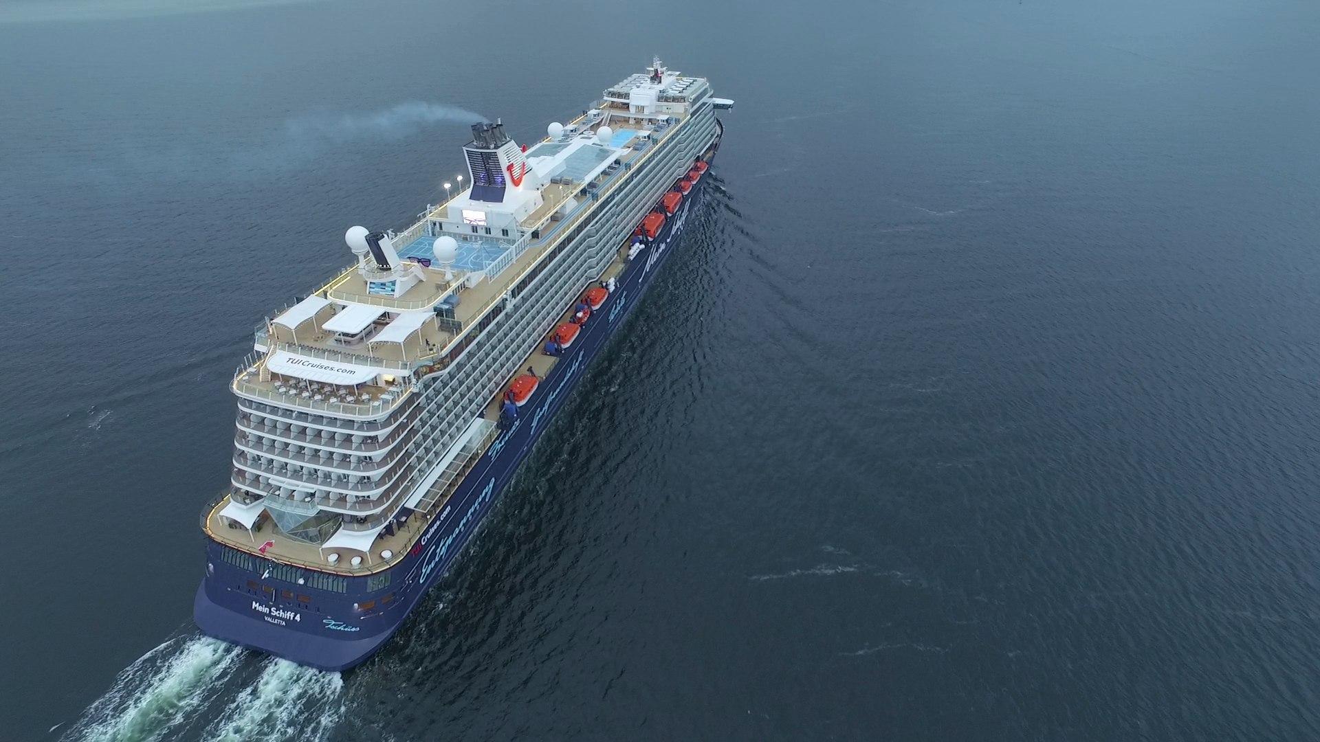 Das TUI Kreuzfahrtschiff Mein Schiff 4, bald mit Schiffscasino von Merkur
