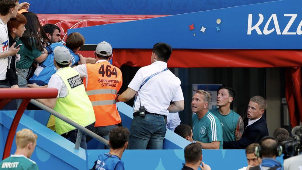 Özil bei Wortgefecht mit Fans