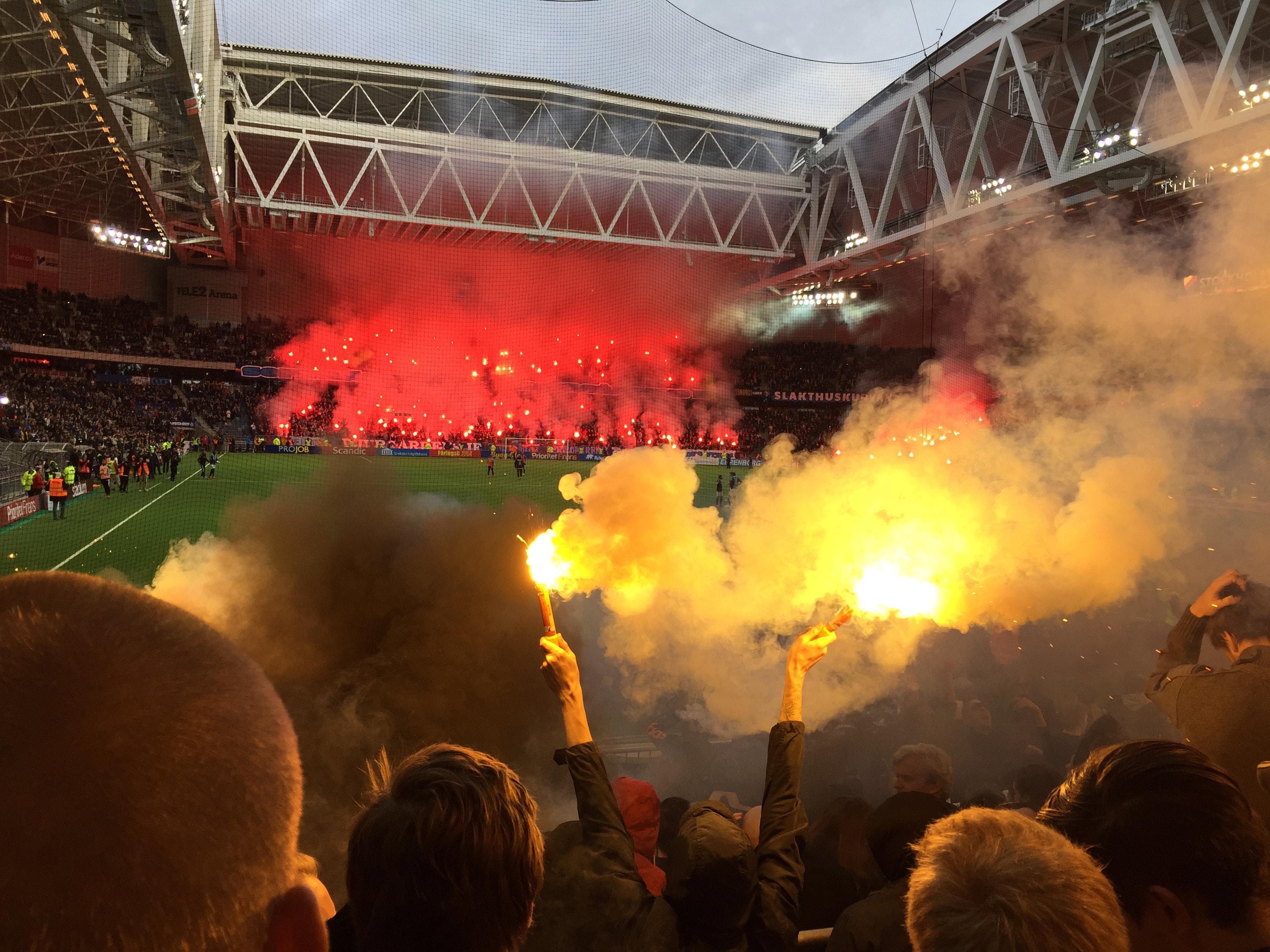 Pyrotechnik in Fußballstadion