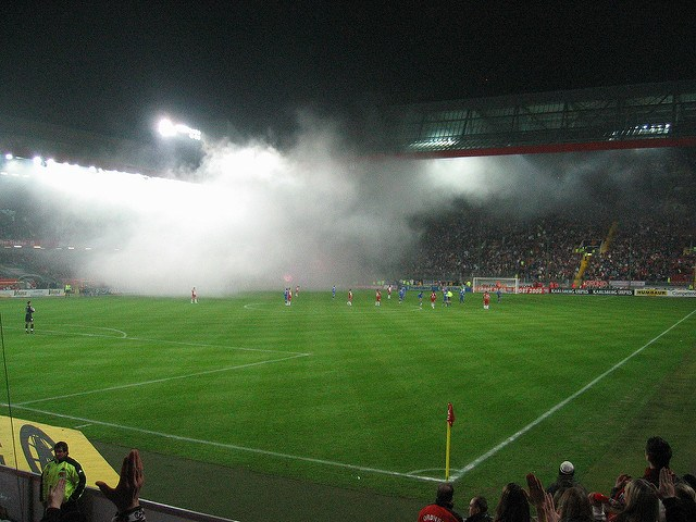 Stadion, Rauch