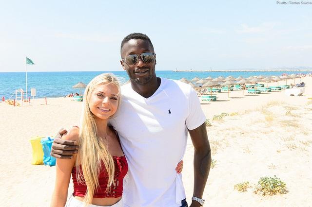 Kalidou Sow mit Freundin