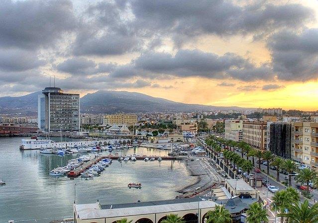 Der Hafen von Melilla