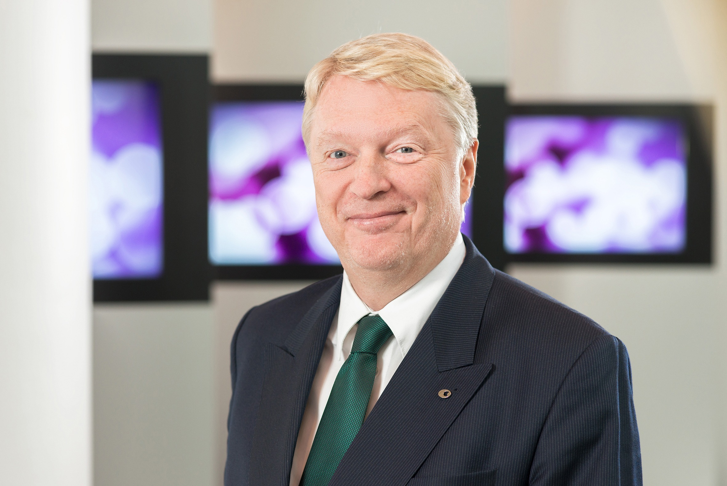 Prof. Dietmar Hoscher