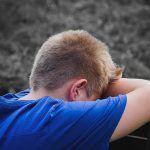 einsamer und trauriger Junge