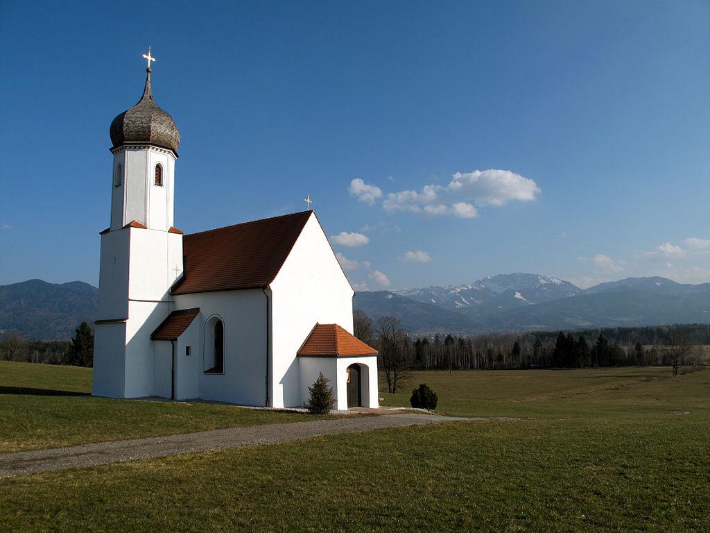 Kirche auf dem Land