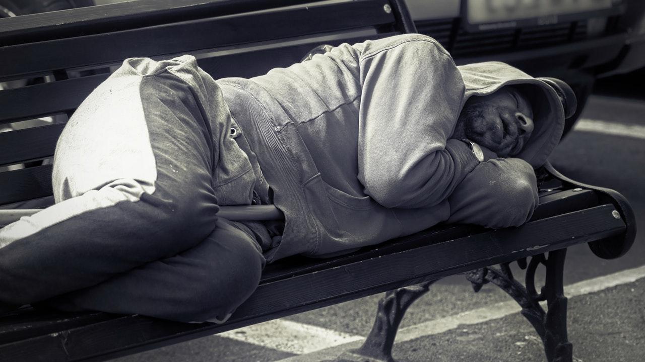 Obdachlos Parkbank