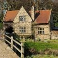 Steinhaus auf dem Land