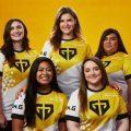 Team Bumble, fünf Frauen