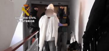 Verhaftung, Polizei, Treppenhaus, gefesselte Person