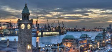 Hamburg Hafen Landungsbrücken Nacht