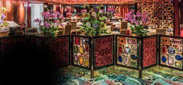 Blumen, Tische, Raumteiler