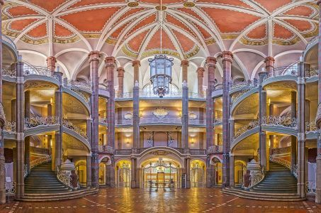Berliner Landgericht, Eingangshalle, Treppen, Fenster