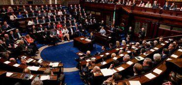 Wappen des irischen Parlaments Oireachtas