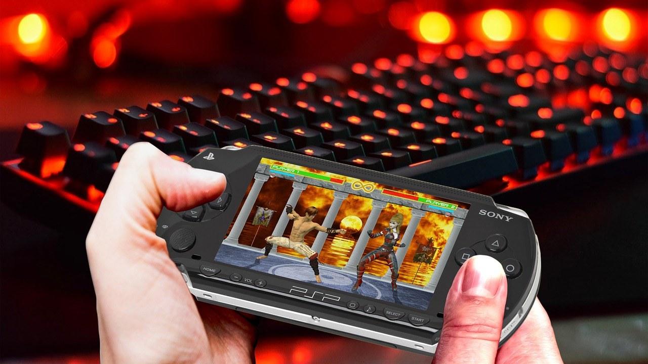 Videospiel, Handy, Keyboard