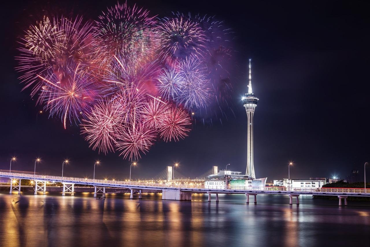 Feuerwerl über der Bucht von Macau