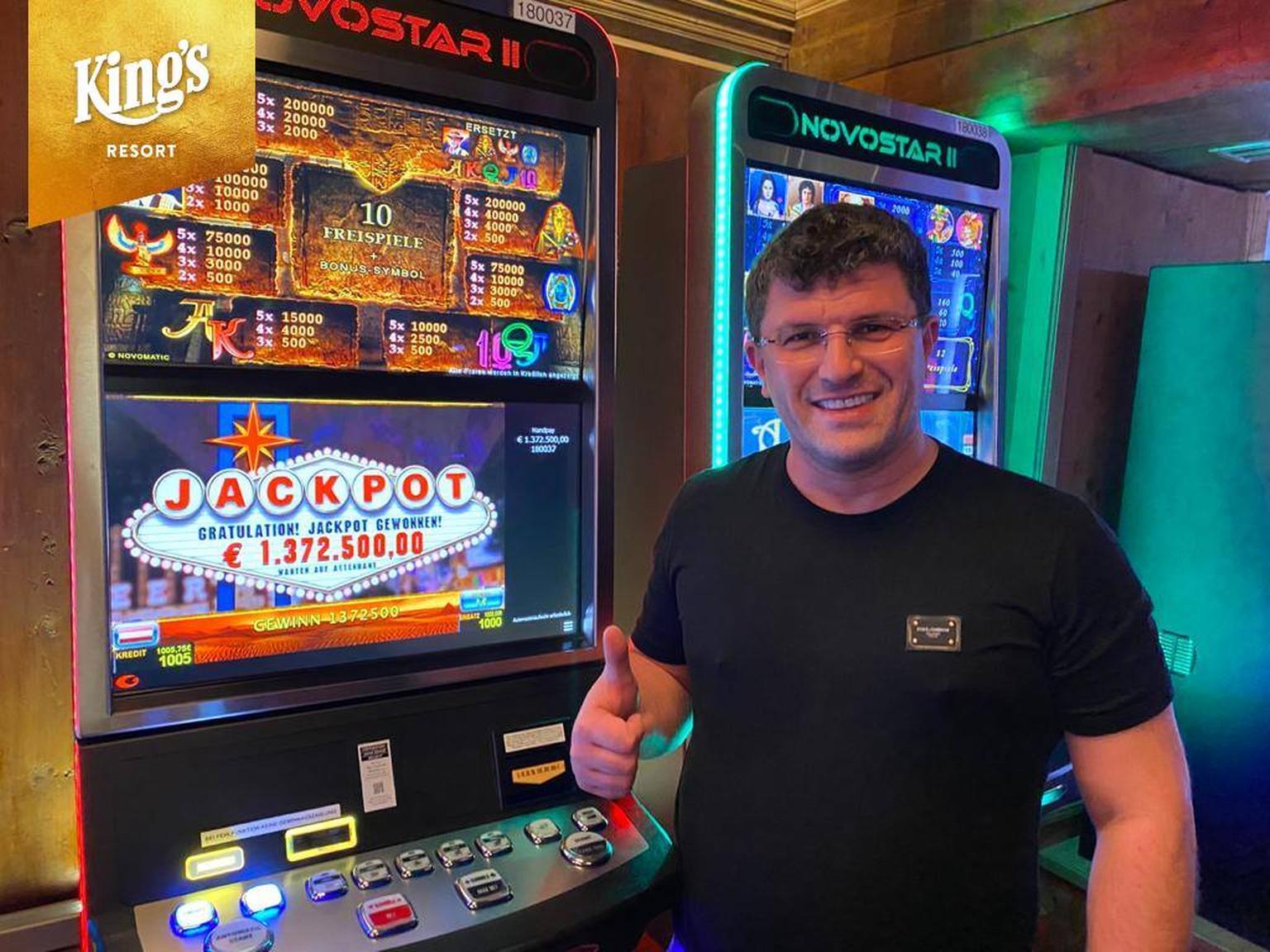 Leon Tsoukernik, Spielautomat