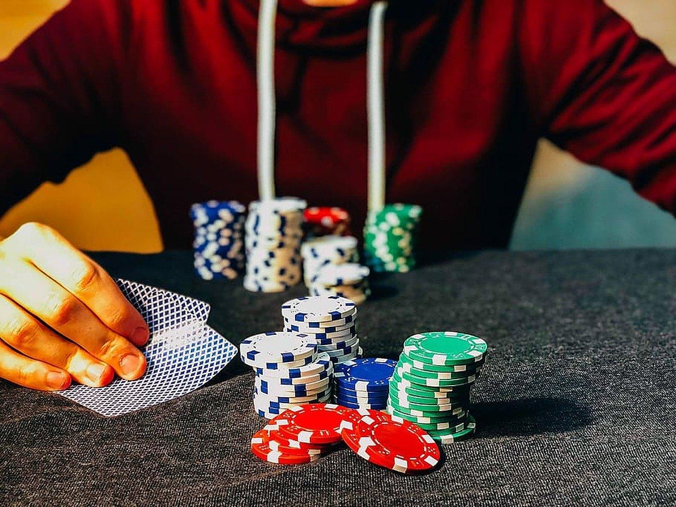 Jugendlicher, Poker, Chips